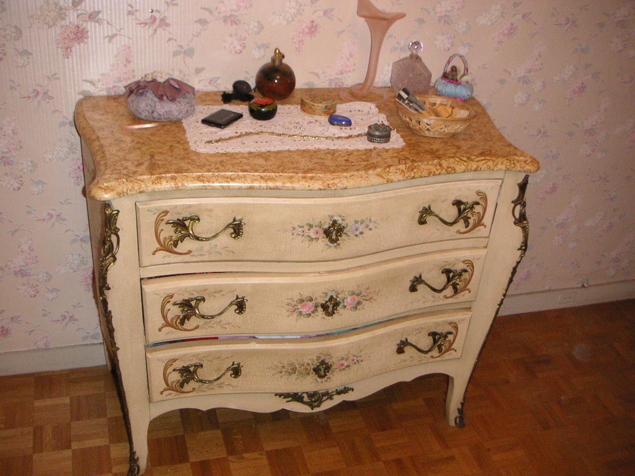 la mouche 3 fois rien meubles a vendre suite 1. Black Bedroom Furniture Sets. Home Design Ideas
