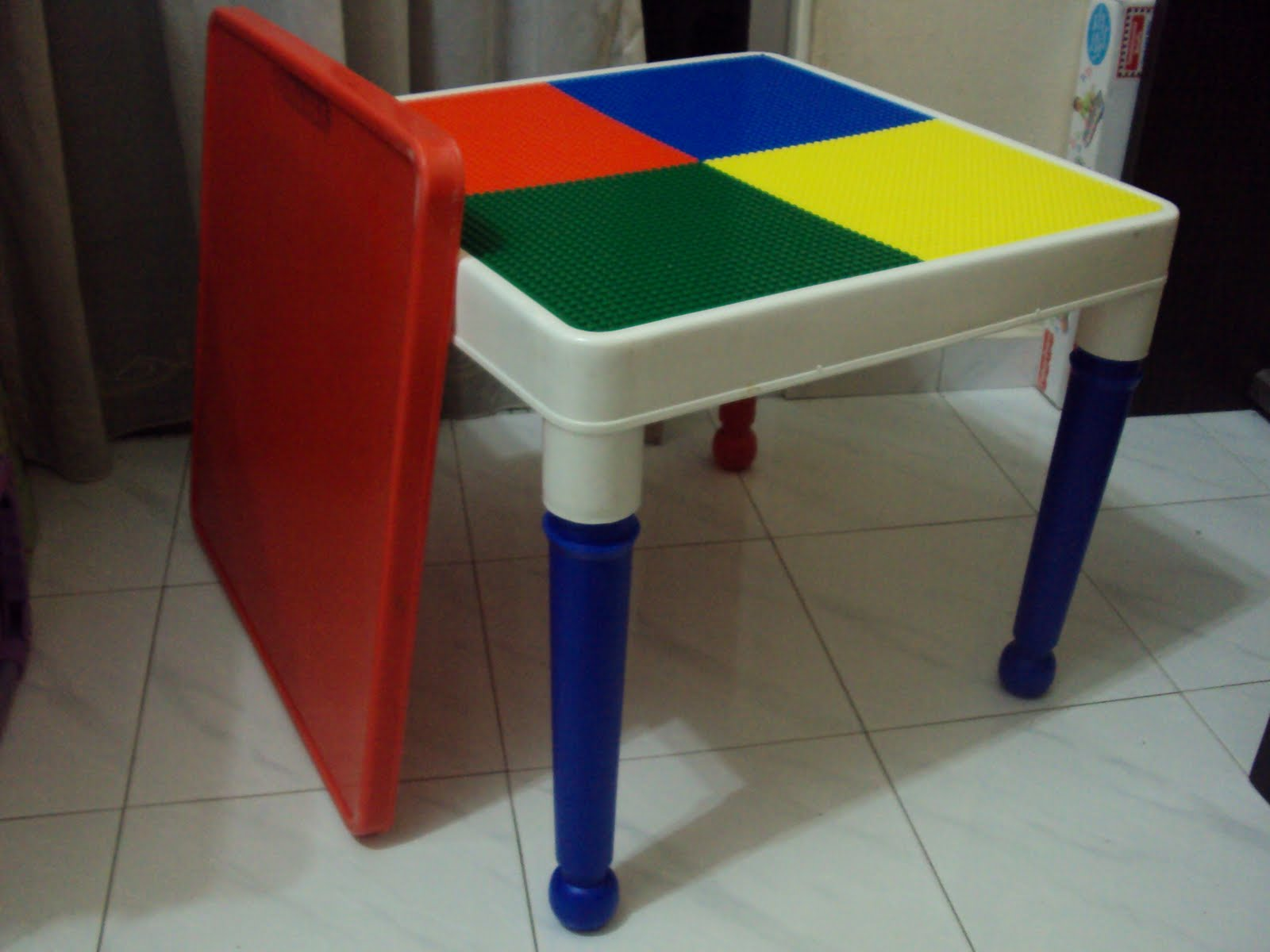 Toys4toddlers: Tot Tutors 2 in 1 Lego construction table