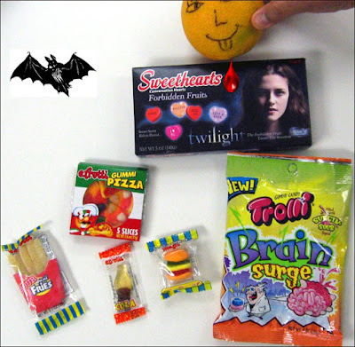 Gummi Lunch Bag, Brain Surge, Twilight Hearts