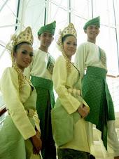 Kostum Tradisional
