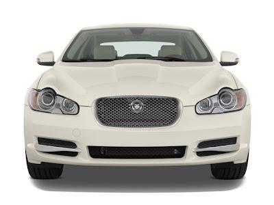 2010 Jaguar XF front view