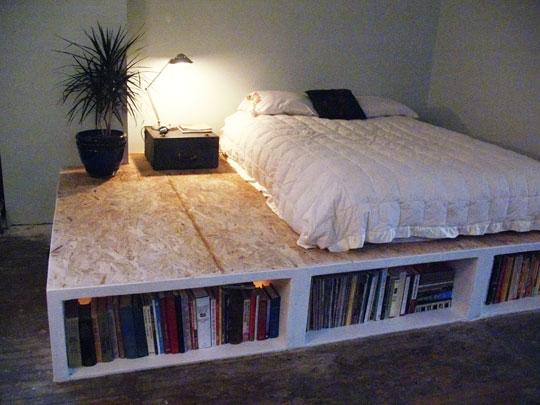 Fidgety Fingers: SPACE-SAVING PLATFORM BED WITH BOOK SHELF