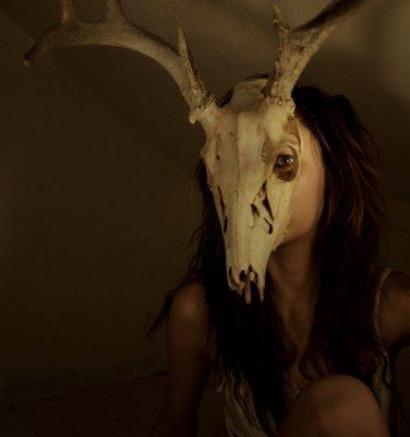 santa fe, cow horns, cow skulls, girl with cow skull over head