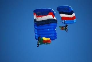 10 parachutistes des trois armées et de la gendarmerie sélectionnés pour sauter 14-juillet 14JUI-0687447939-TGY+032redux