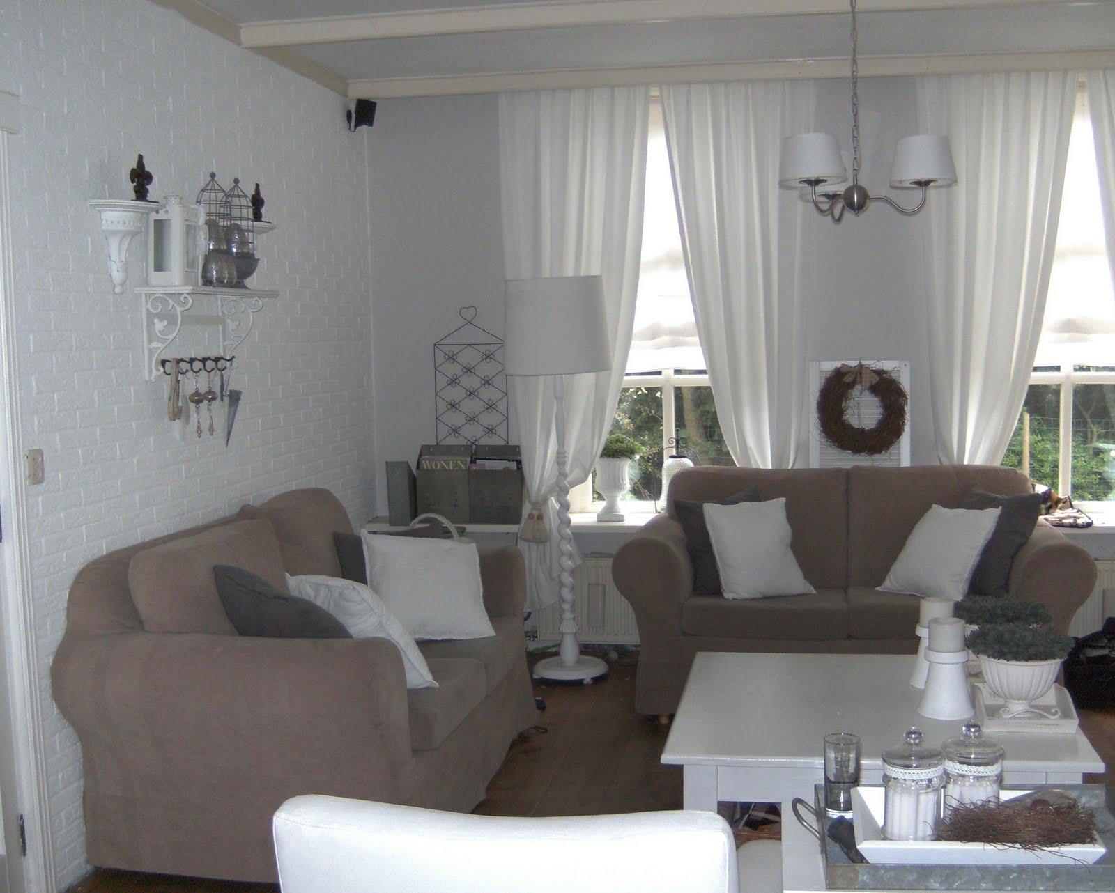 De brocante houtschuur een blik in de kamer Brocante woonkamer