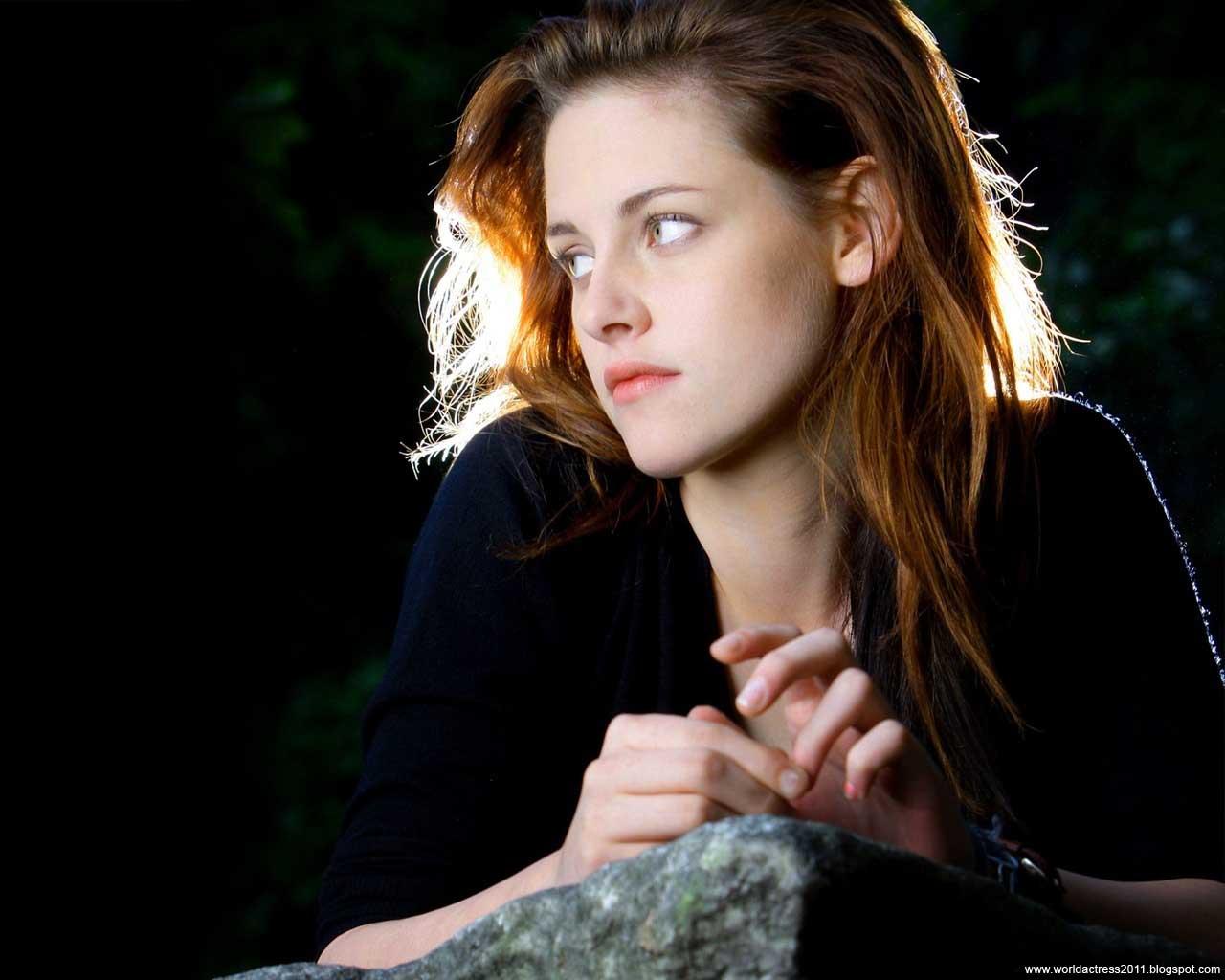 http://3.bp.blogspot.com/_ynR6cm9boNo/TSXtIaOB_SI/AAAAAAAAAbY/Harv9fiRbnw/s1600/World+Actress+2011+Kristen+Stewart+57.jpg