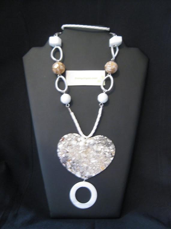 C10091 Collar Jade, Cuarzo blanco y corazon