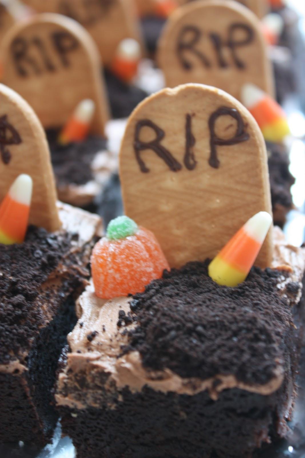 SodaHead.com - Fudgy Graveyard Brownies