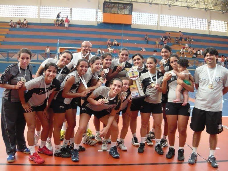 2 minutos!  Meninos da Faculdade Social são campeões da Copa Guerreiros c275cd008dc25