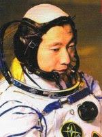 Московский школьник придумал зубную щетку для космонавтов