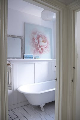 bathrooms that prove they don't need to be big to be