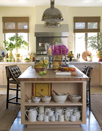 metal light fixtures keep this kitchen from being too kitschy country