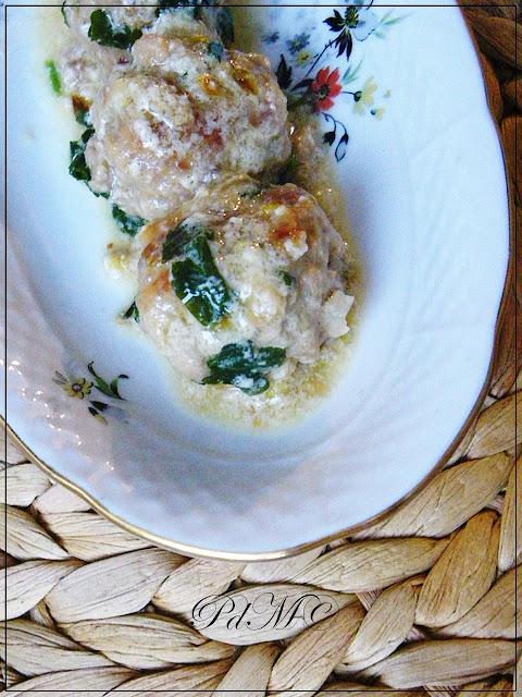 http://www.pecorelladimarzapane.com/2010/10/polpettine-di-maiale.html