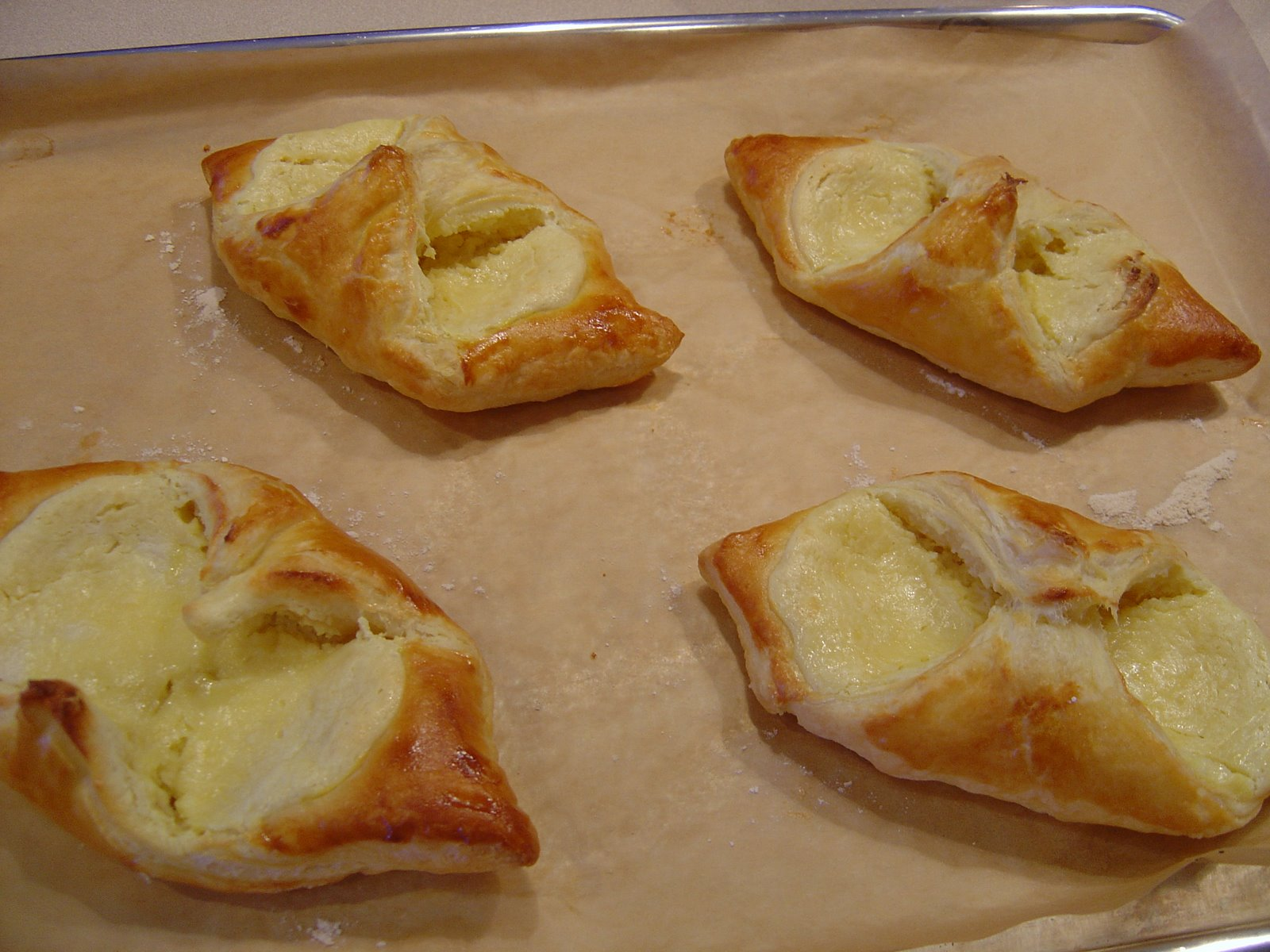Easy cheese danish blissfully delicious easy cheese danish forumfinder Gallery