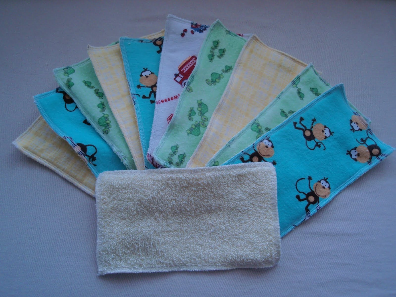 Cloth Wipes and Homemade Wipe Solution