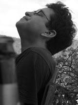 Poema recitado durante el VI Festival Internacional de Poesía de Granada (Nicaragua, 2010)