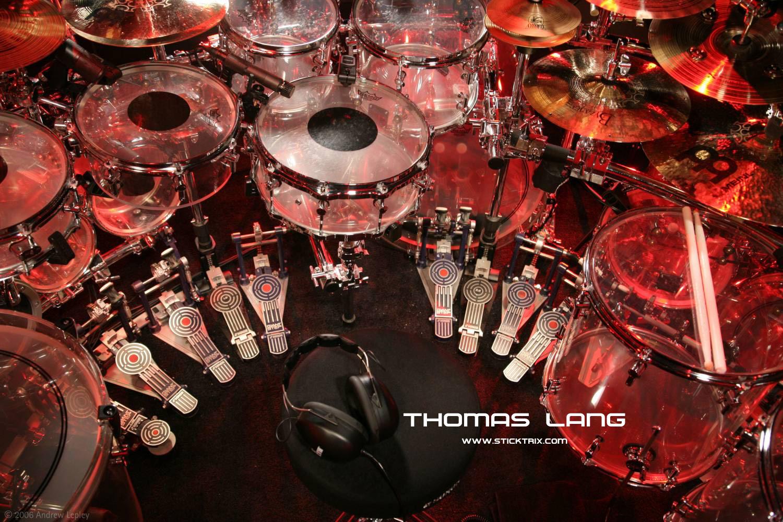 http://3.bp.blogspot.com/_yxzRlDM0Wwk/TJYW0dOZ5qI/AAAAAAAAAUA/LbssJgRBwAg/s1600/Wallpaper3_ThomasLang.jpg
