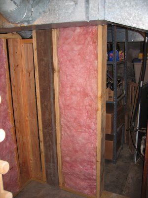 ... work to insulate these walls with R-19 fiberglass batt insulation as you can see. Vapor barrier has been put towards the outside of the wine cellar ... & Chez Ray Winemaking: Insulating the Chez Ray Wine Cellar