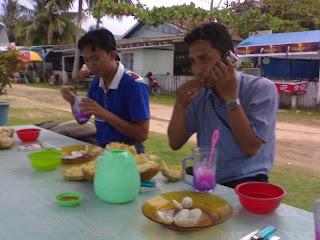 Rekreasi Ke Pantai Amal Bersama Staf DTP Jakarta