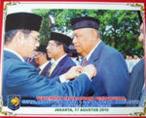 Walikota Tarakan Terima Penghargaan Satyalencana Pembangunan