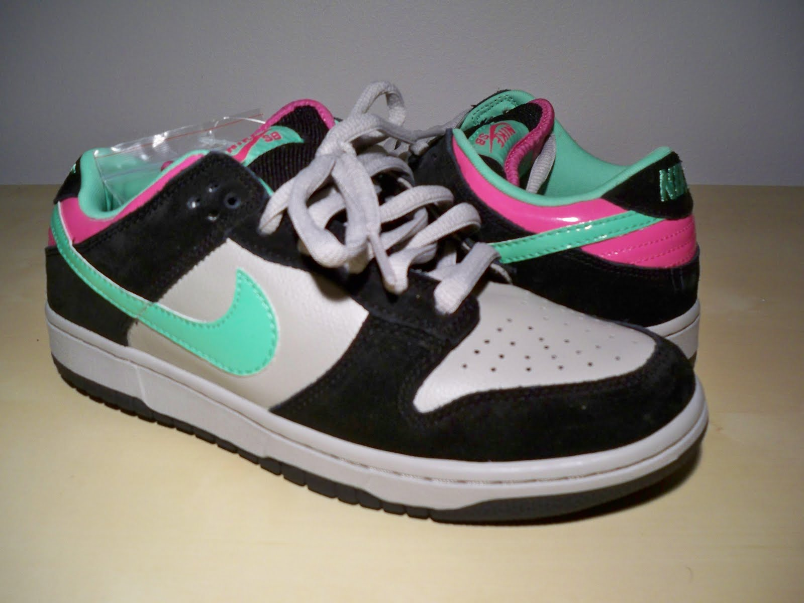 sb collection nike dunk low sb poison