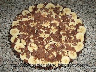 prajitura cu banane si alune