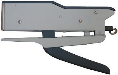 Zenith 548//and Pastel Yellow Plier Stapler