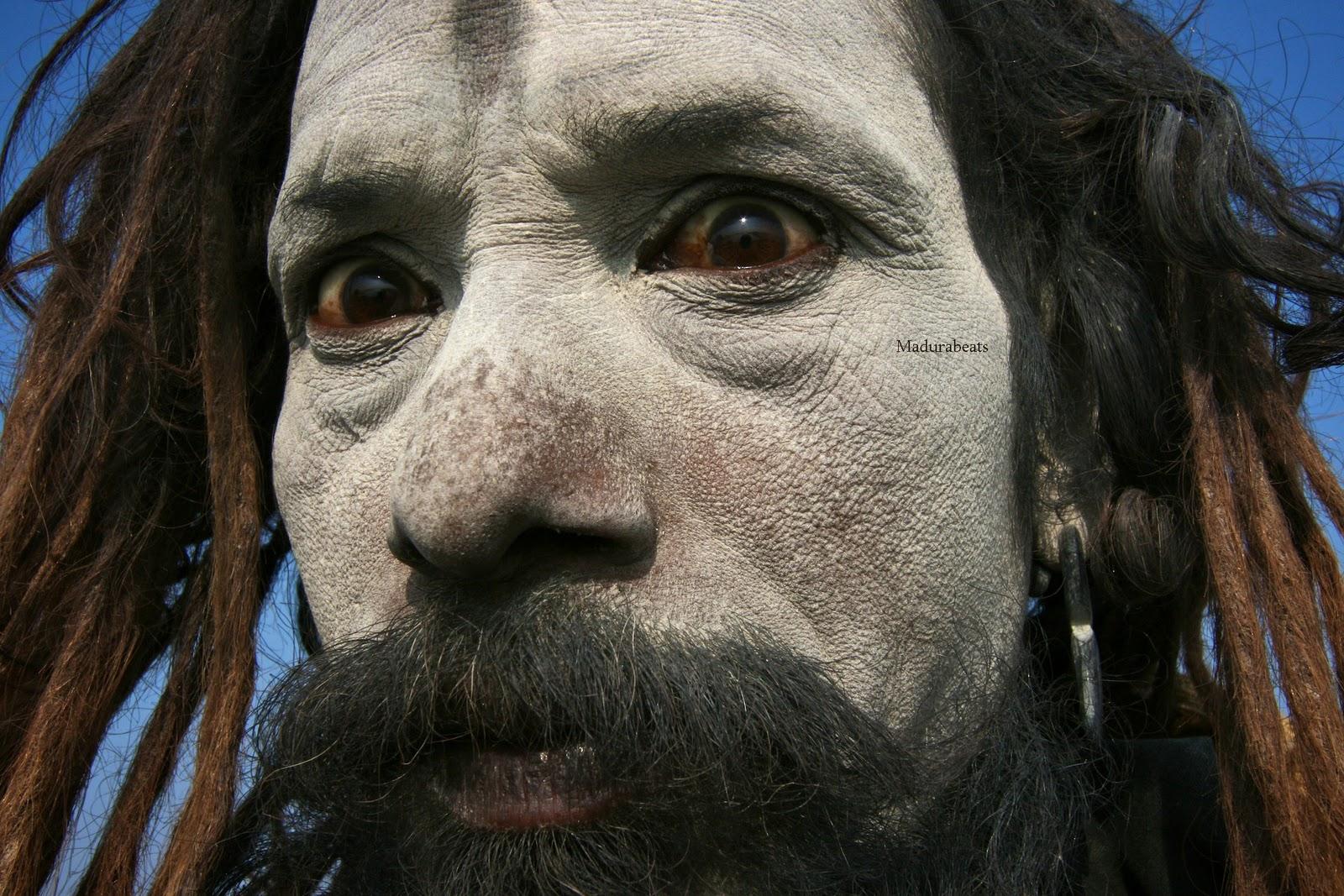 http://3.bp.blogspot.com/_z4BcYVnVAso/TP3ZhByFmOI/AAAAAAAAAsY/lUkswrZRFPc/s1600/Varanasi-holyman.jpg