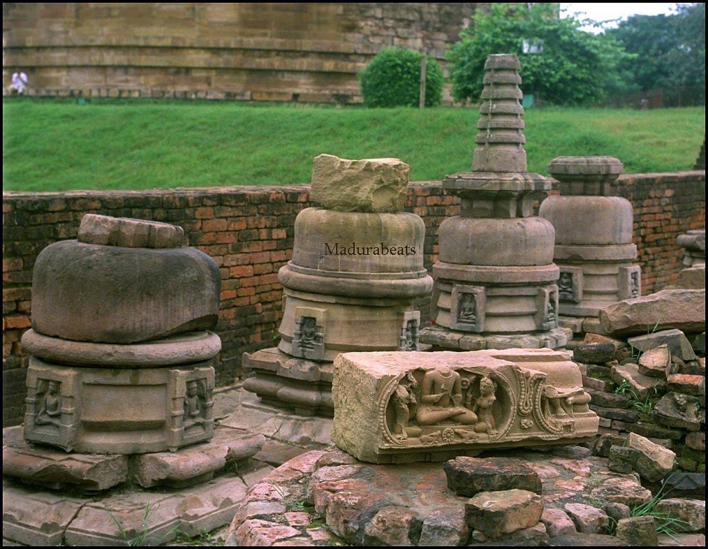 http://3.bp.blogspot.com/_z4BcYVnVAso/TP4l6oiA3EI/AAAAAAAAAso/HSy6ZyTfCNY/s1600/varanasi-sarnath-temple.jpg