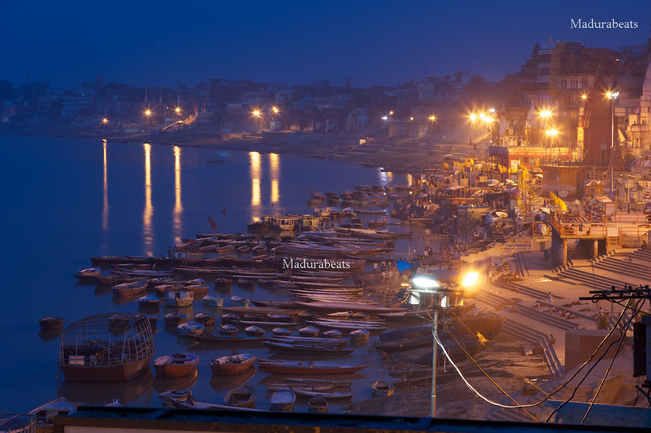 http://3.bp.blogspot.com/_z4BcYVnVAso/TP4mpfVBeII/AAAAAAAAAtI/rsejT76Kxqs/s1600/Varanasi-Ganges-evening-calm-river.jpg