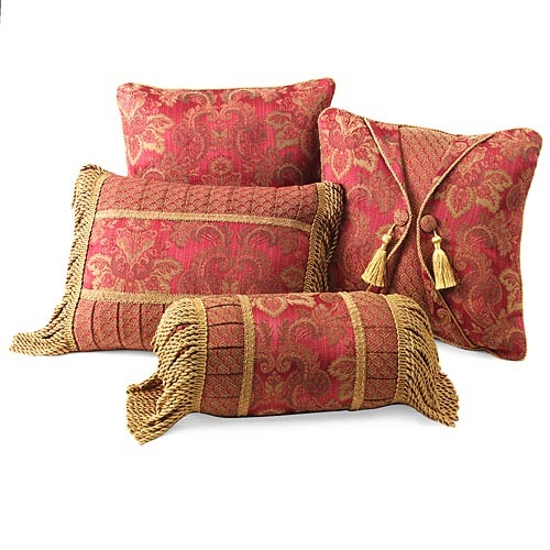 Decohome: CLASSIC PILLOWS