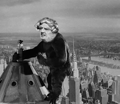 Goya 2.0 a punto de ser acribillado en el Empire State