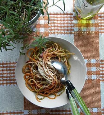 Spaghetti z aromatycznym sosem