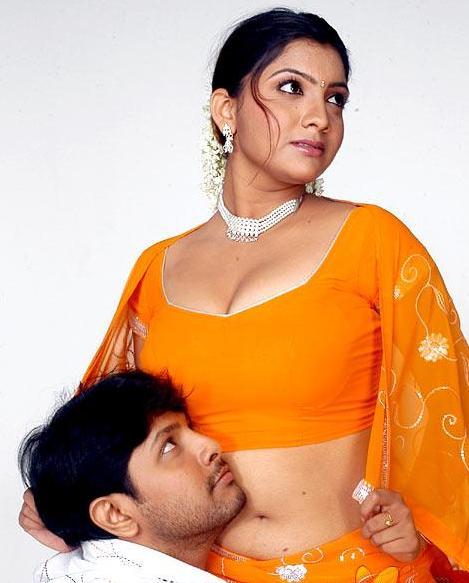 Actress Navel Show: Tamil Masala Actress