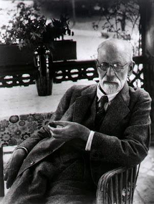 Sigmund Freud in zijn werkkamer in 1938