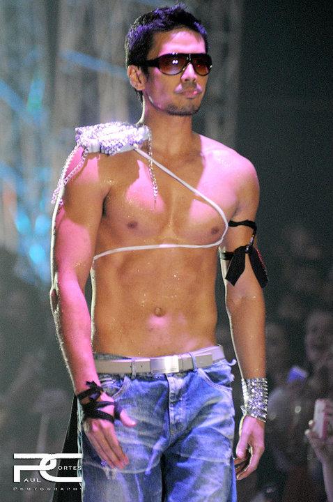 Johan Santos makes it to Cosmo 69 Bachelors list for the