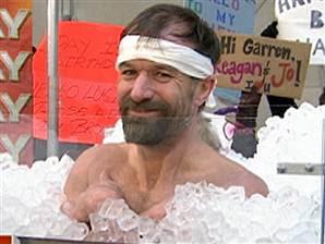 http://3.bp.blogspot.com/_z989WeJjtWI/TAUOyfAqxAI/AAAAAAAAAaI/rHlVgFLw8hg/s320/ice+man.jpg