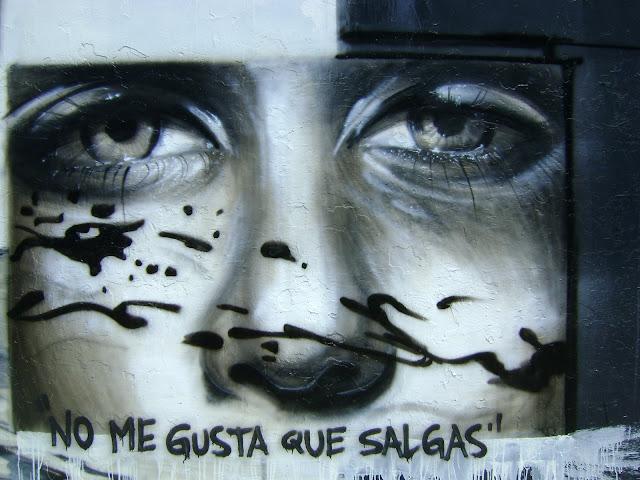 graffiti sernam en antofagasta, chile izak