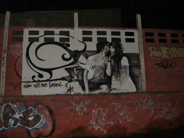 graffiti ilegal de izak en antofagasta, chile