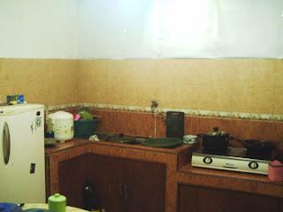 rumah dijual murah siap huni dapur minimalis full keramik