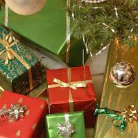 hacer papel de regalo