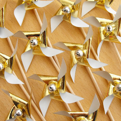 Tiny Paper Pinwheels