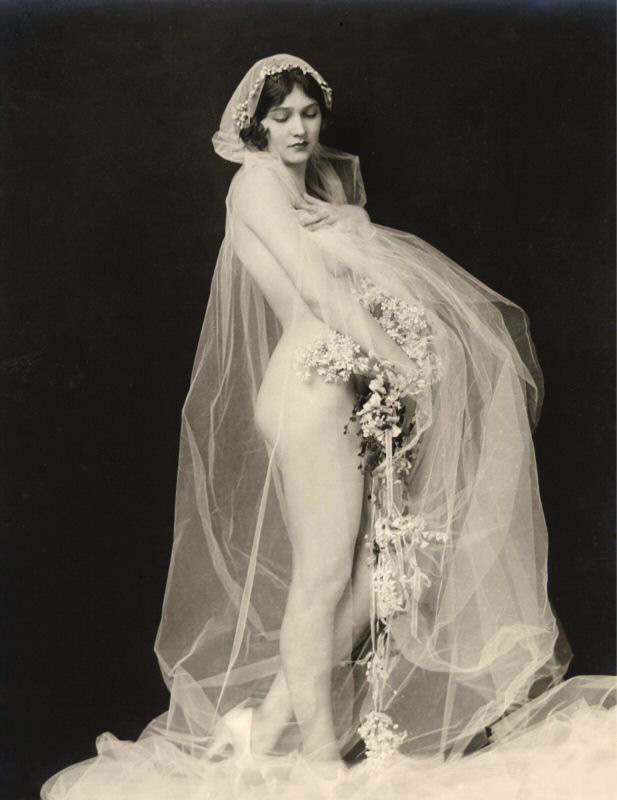 Labels: alfred cheney johnston, bride, girl, nude, photo, vintage, woman