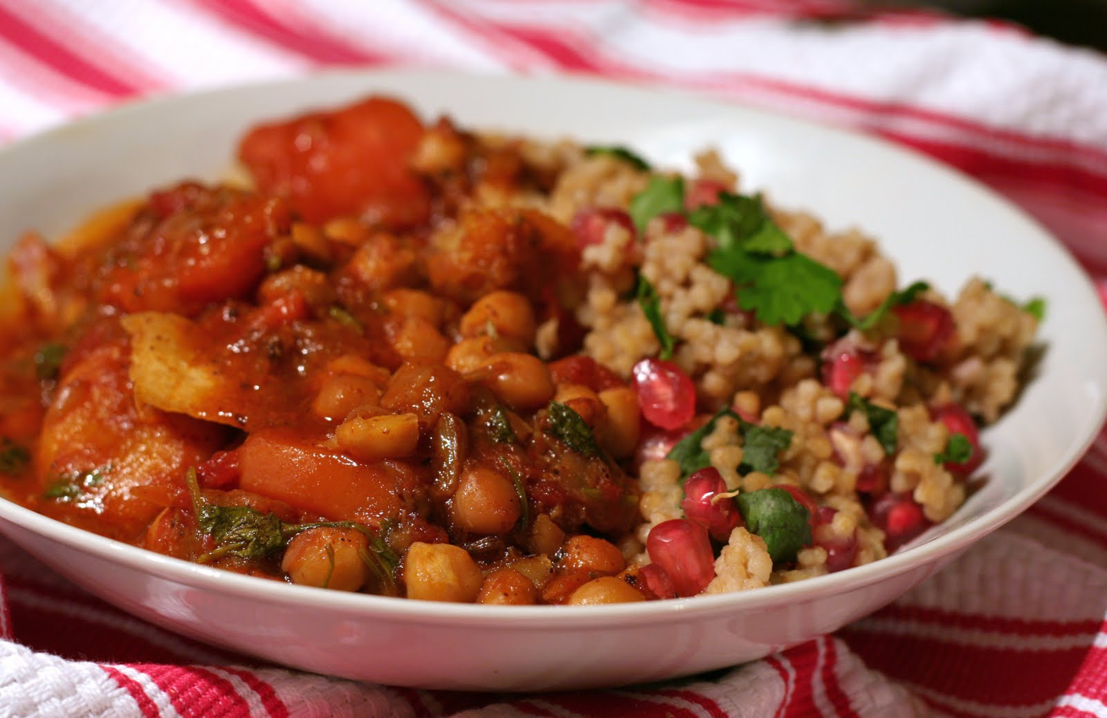 Lamb tagine with apricots and chickpeas