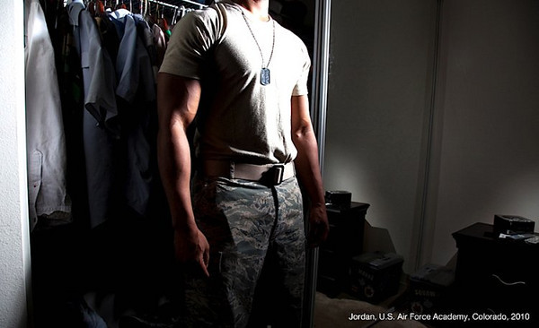 What do you call a gay US Army officer? Sir.