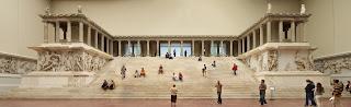 Berlin   Pergamonmuseum   Altar 01 Berlín. La transformación de una ciudad
