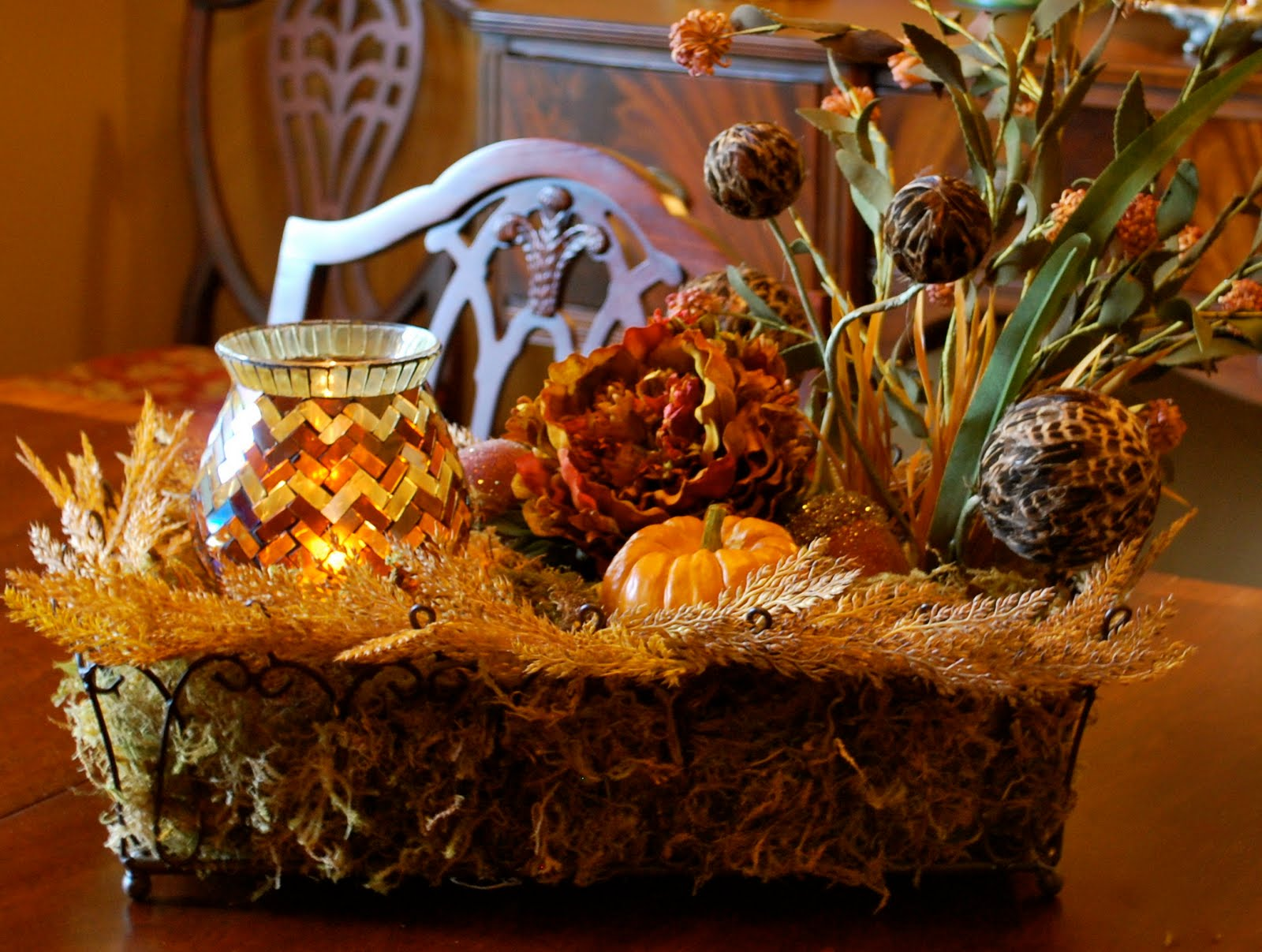 Fall decorations amanda jane brown for Pictures of fall table decorations