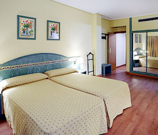 Hotel monte carmelo sevilla for Monte villa motor inn