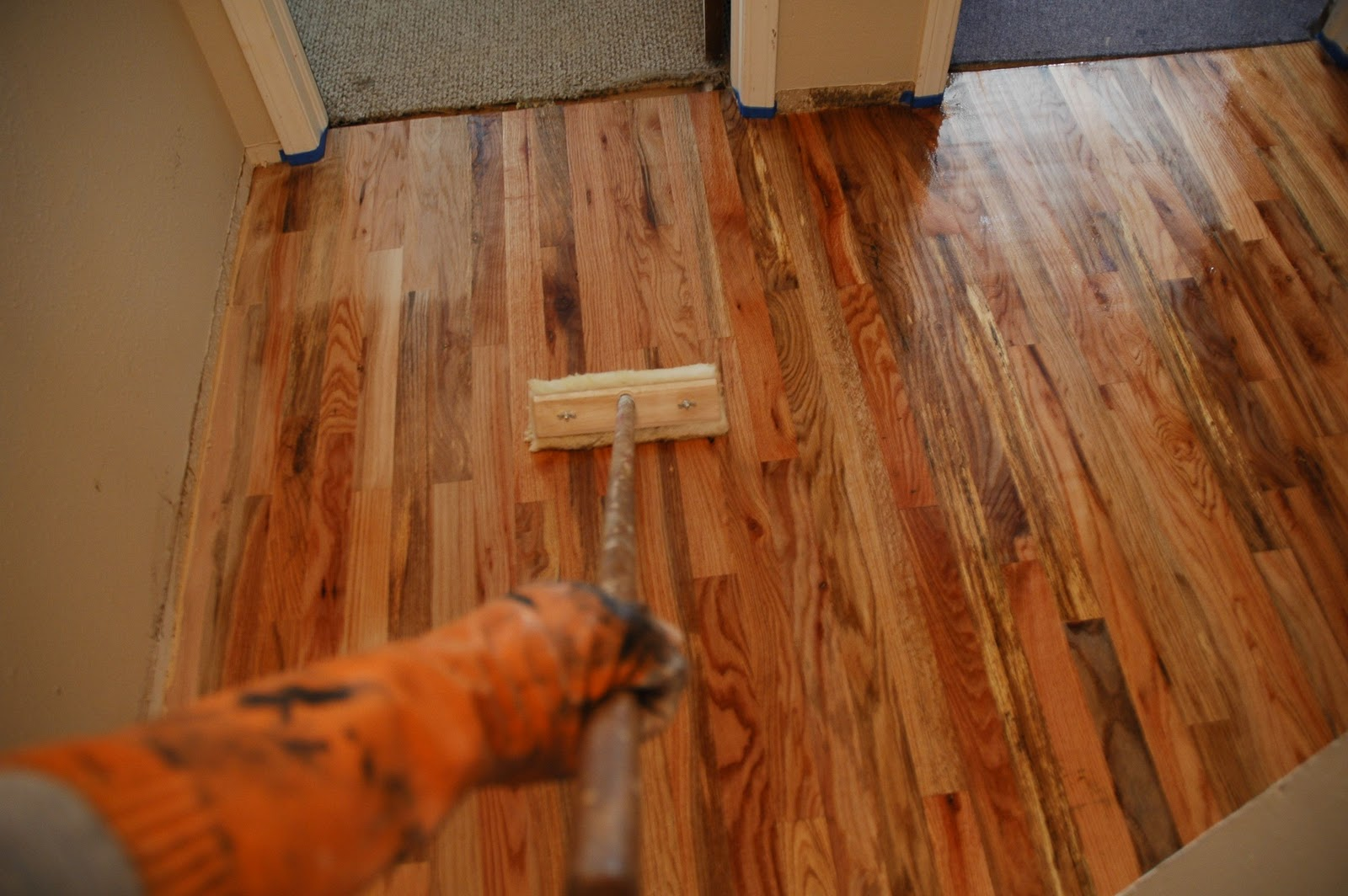 Applying Polyurethane To Hardwood Floors dura seal water based polyurethane floor finish application youtube Remodelaholic How To Finish Solid Wood Flooring Step By Step