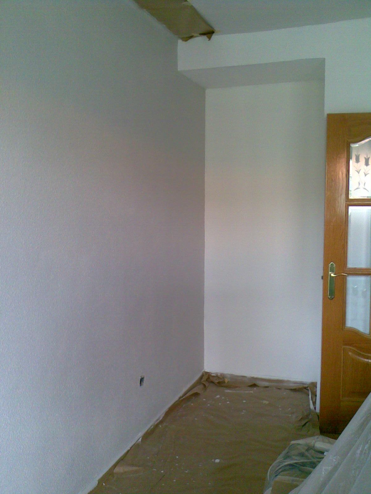 As nos han quedado las paredes for Pintura gris perla bruguer